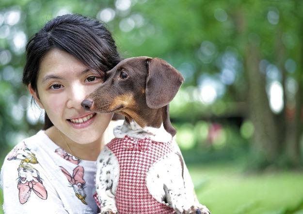girl-and-dog-962191_960_720