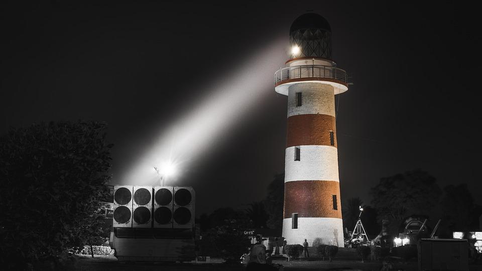 lighthouse-2839951_960_720